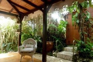 Les Hauts de Terrasson, Guest houses  Les Abymes - big - 23