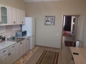 Apartment on A. Moldagulova Avenue, Apartmány  Aqtöbe - big - 4