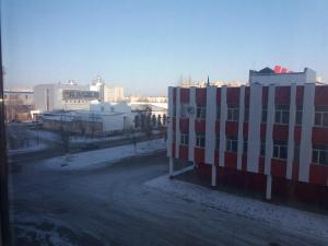 Apartment on A. Moldagulova Avenue, Apartmány  Aqtöbe - big - 8