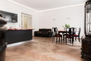 Luxory apt - Korunni str. - for 5 guests, Апартаменты  Прага - big - 38