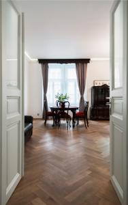 Luxory apt - Korunni str. - for 5 guests, Апартаменты  Прага - big - 47