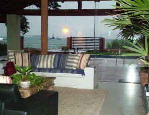 Casa de Ponta das Canas, Holiday homes  Florianópolis - big - 42