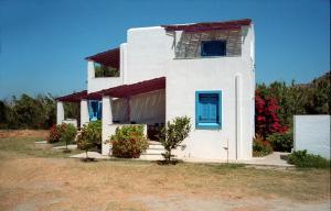Lianos Studios