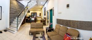 Family Room Duta Astina
