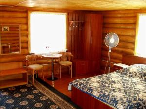 Guest house Eko, Penzióny  Ashitsra - big - 4