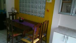 Casa com piscina Ubatuba, Affittacamere  Ubatuba - big - 5