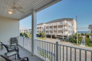 Coconut Grove 202 2nd Row Condo, Apartmanok  Myrtle Beach - big - 22