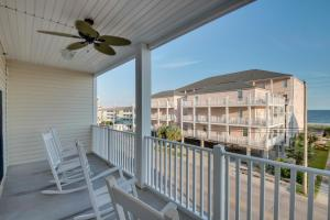 Coconut Grove 202 2nd Row Condo, Apartmanok  Myrtle Beach - big - 18