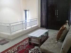 Setra Duta Hegar Syariah Guest House, Penziony  Bandung - big - 11