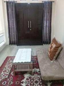Setra Duta Hegar Syariah Guest House, Penziony  Bandung - big - 6