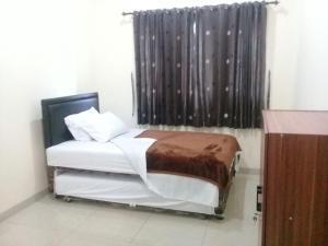 Setra Duta Hegar Syariah Guest House, Penziony  Bandung - big - 4