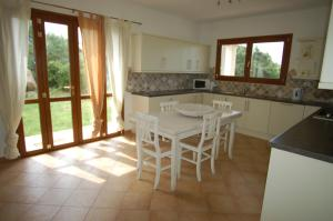 Villa Ginepri, Holiday homes  Arzachena - big - 41