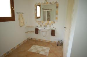 Villa Ginepri, Holiday homes  Arzachena - big - 25