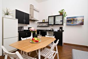 Apartments next to Old Town Square by RENTeGO, Apartmány  Praha - big - 5