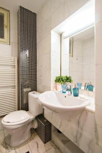 Apartments next to Old Town Square by RENTeGO, Apartmány  Praha - big - 3