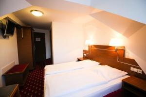 Hotel-Gasthof Obermeier, Hotely  Allershausen - big - 14