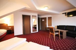 Hotel-Gasthof Obermeier, Hotely  Allershausen - big - 9