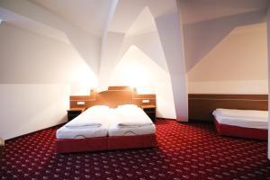 Hotel-Gasthof Obermeier, Hotely  Allershausen - big - 8