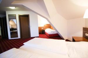 Hotel-Gasthof Obermeier, Hotely  Allershausen - big - 17
