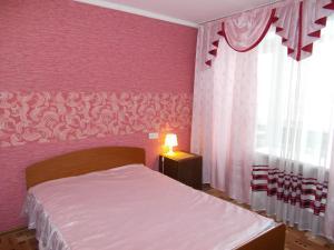 Апартаменты На Огнеупорщиков 14, Среднеуральск