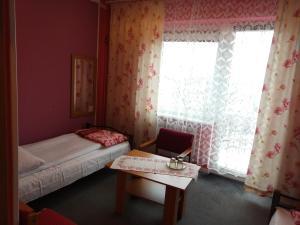 Hotel Pod Trzema Różami, Hotels  Sanok - big - 6