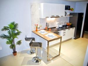 Emerald: Studio in Patong, Apartmanok  Patong-part - big - 9