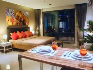 Emerald: Studio in Patong, Apartmanok  Patong-part - big - 10