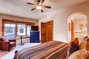 Beautiful 4 Bedroom - EagleRidge TH 1435 - Steamboat