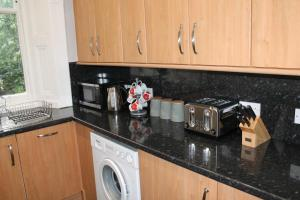 West End Townhouse nr Train Station, Apartmanok  Edinburgh - big - 35