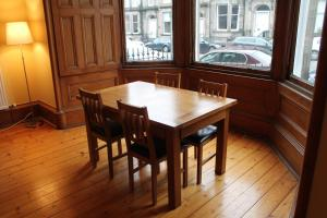 West End Townhouse nr Train Station, Apartmanok  Edinburgh - big - 32