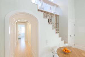 A + B Almedina: Amazing Duplex Apartment.  Foto 15