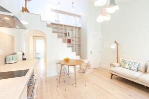 A + B Almedina: Amazing Duplex Apartment.  Foto 2