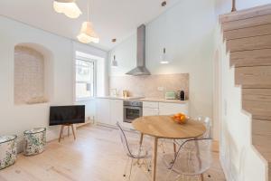 A + B Almedina: Amazing Duplex Apartment.  Foto 3