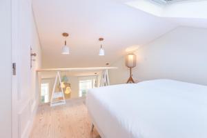 A + B Almedina: Amazing Duplex Apartment.  Foto 17