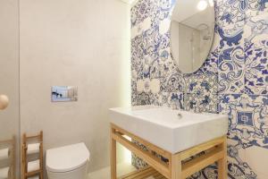 A + B Almedina: Amazing Duplex Apartment.  Foto 10