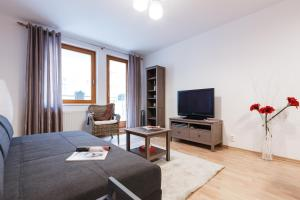 Cozy Apartments with Private Garage, Apartments  Prague - big - 40