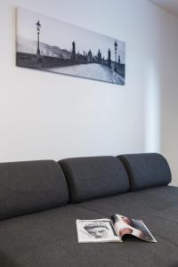 Cozy Apartments with Private Garage, Apartmány  Praha - big - 35