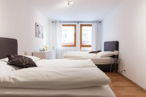 Cozy Apartments with Private Garage, Apartmány  Praha - big - 21