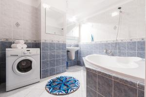Cozy Apartments with Private Garage, Apartmány  Praha - big - 4
