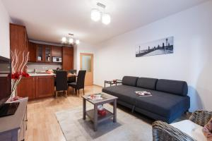 Cozy Apartments with Private Garage, Apartments  Prague - big - 54