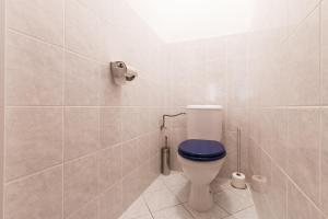 Cozy Apartments with Private Garage, Apartmány  Praha - big - 50