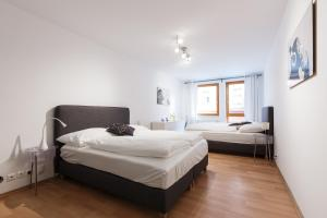 Cozy Apartments with Private Garage, Apartments  Prague - big - 49