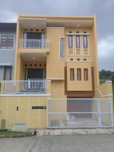 Setra Duta Hegar Syariah Guest House, Penziony  Bandung - big - 1