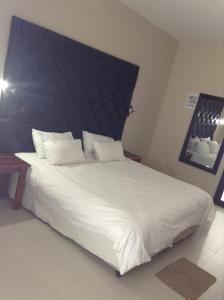 Hotel Galaxy, Hotels  Ongwediva - big - 55