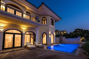 Five Bedroom Service Villa - Palm Jumeirah - Dubai
