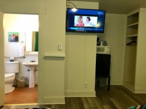Hotel Kitsmiller on Main, Motely  Fredericksburg - big - 159