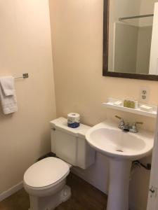 Hotel Kitsmiller on Main, Motely  Fredericksburg - big - 170