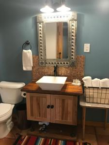 Hotel Kitsmiller on Main, Motely  Fredericksburg - big - 185