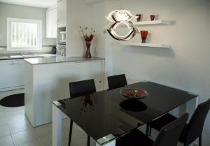 Casa Fluvia, Prázdninové domy  L'Estartit - big - 11