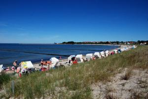 Ferienappartement zwischen Ostsees, Apartmanok  Klein Gelm - big - 14